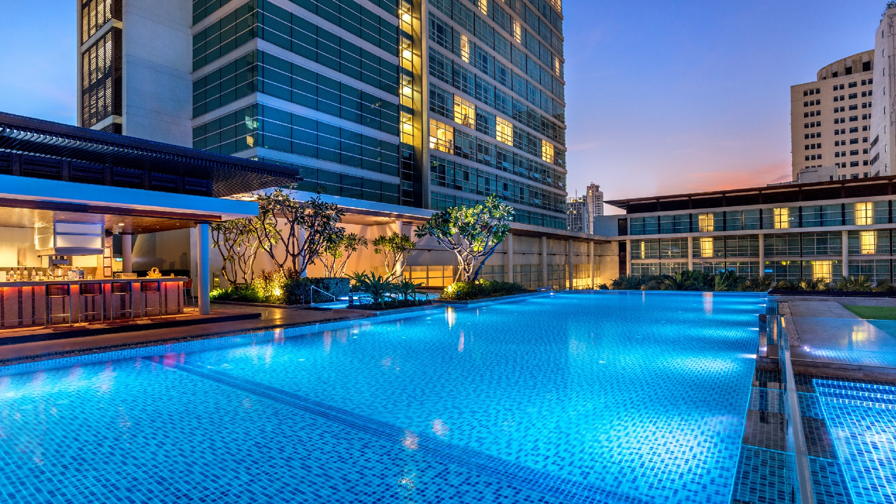 Bangkok City Hotel Swimming Pool Full 3 Pullman Bangkok
