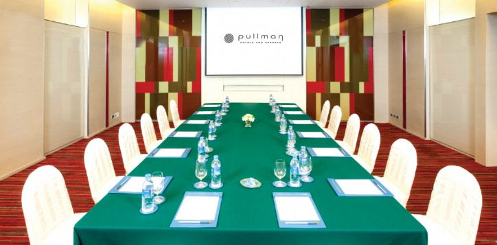meeting-events-beta-boardroom-2