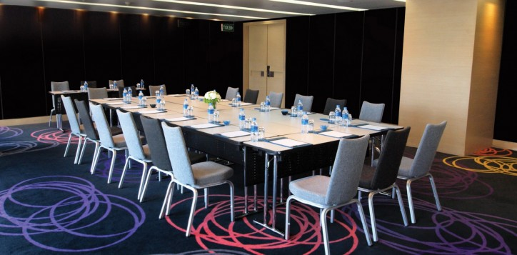 meeting-events-omega-boardroom-2
