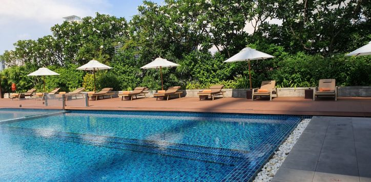 bangkok-hotel-swimming-pools1-2