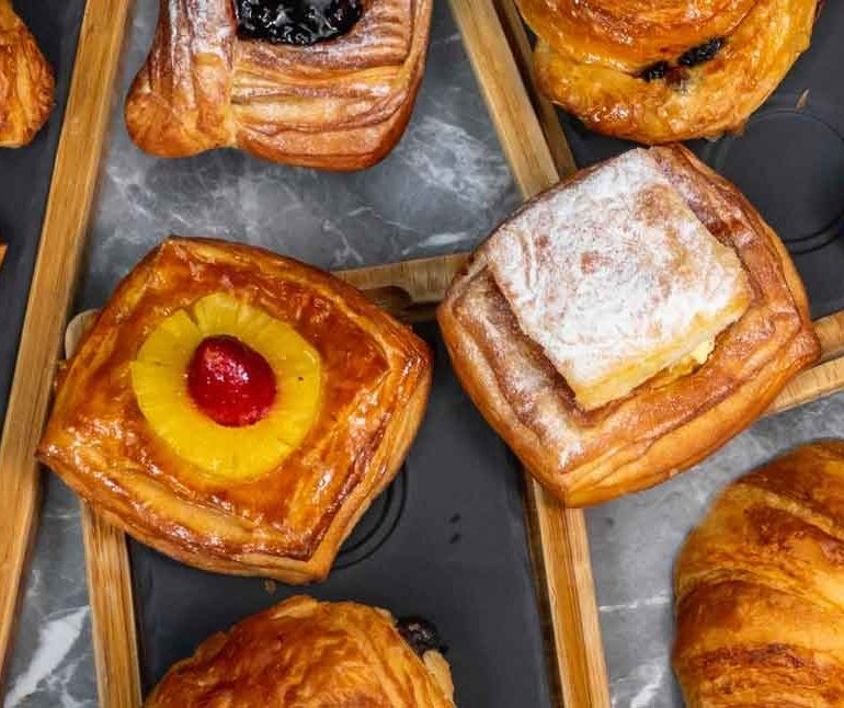 order-pastry-takeaway